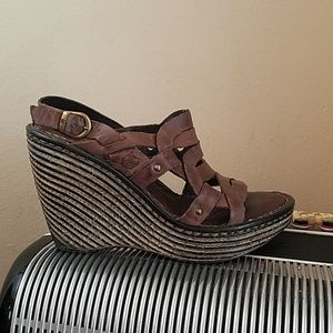 GORGEOUS BORN BROWN WEDGE STRAPPY SANDALS